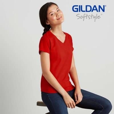 A women wearing red color v neck t shirt